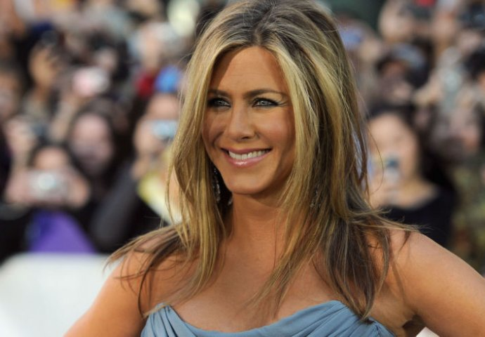 Justin theroux izlazi iz jennifer Aniston