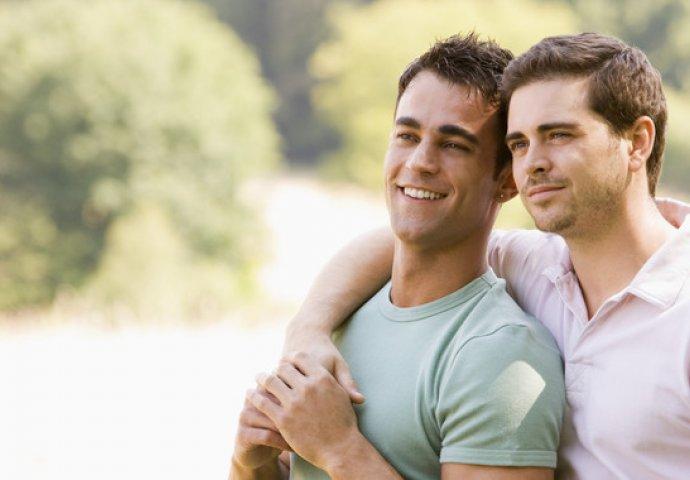 upoznavanje s momkom koji se ne želi vjenčati izlazi 4 godine starije