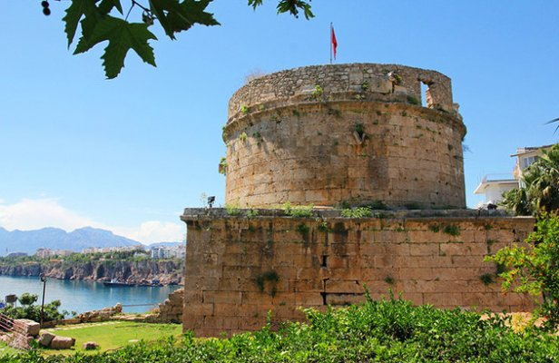 turkey-antalya-roman-fortress-1
