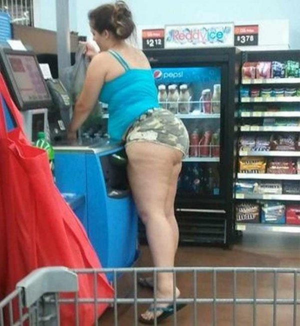 ridiculous-people-of-wal-mart-38-696x757
