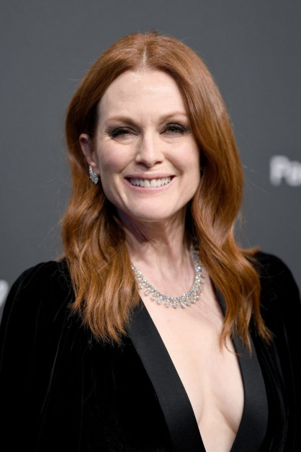 julianne-moore-at-chopard-party-at-2017-cannes-film-festival-05-19-2017-1