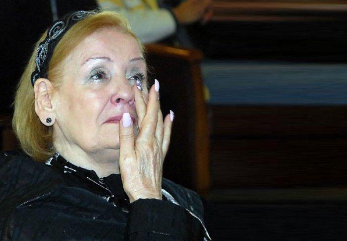 NA OPROŠTAJU OD SVOG MUŽA, LEPA LUKIĆ SVIMA OTKRILA STRAŠNU TAJNU: Ovo je  razlog njene neplodnosti (FOTO)   Novi.ba