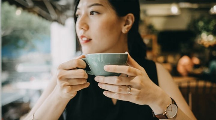 woman-drinking-a-cup-of-coffee